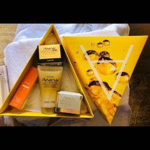 Avon 4pc Anew day/night cream, cleanser, serum C